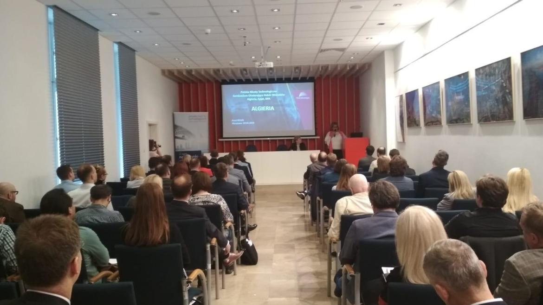 Amel Kouri – Ekspertka TradeBrdige podczas seminarium Polskie Mosty Technologiczne na rynki: Algieria, Egipt, RPA